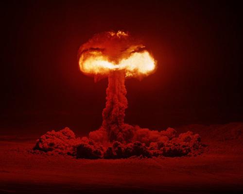 1266985426_atomic_bomb_plumbbob_hood