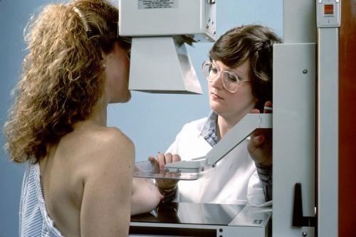 1268121172_1268070700_mammogram