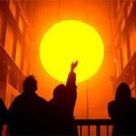 Нам светит совесть тех, кто живёт на Солнце