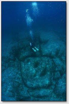 Постройки под водой около Багамских Островов