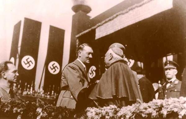 adolf_hitler_katolikus_romai_papa